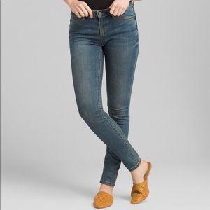 Prana London Medium Wash SkinnyJeans Size 26